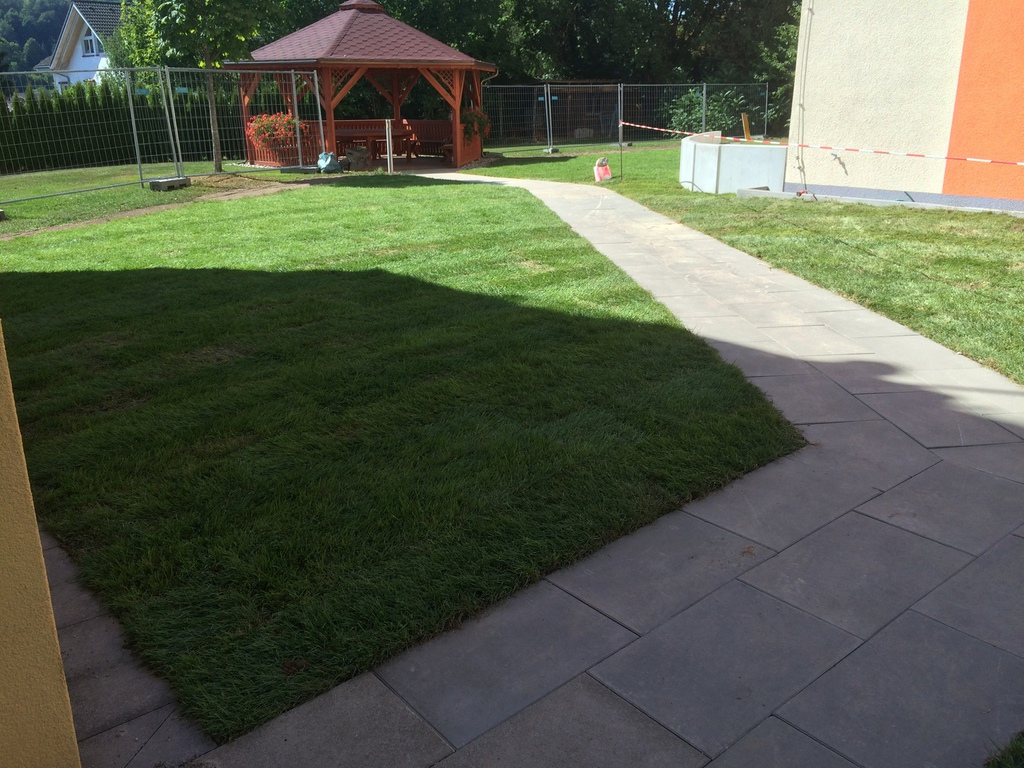 Tiny house design gartenbepflanzung planen for Gartenbepflanzung planen